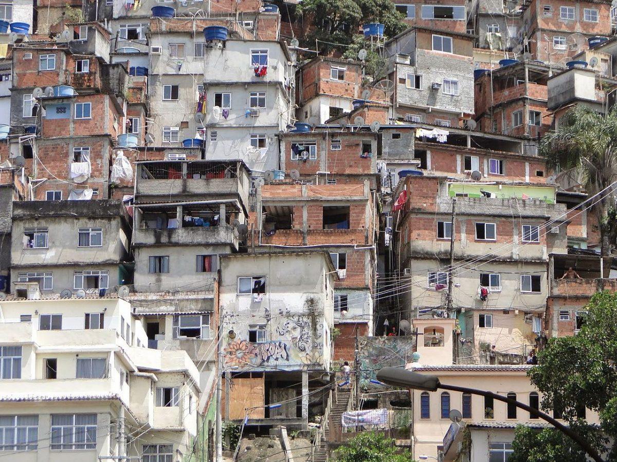 Favela-1200x900.jpg